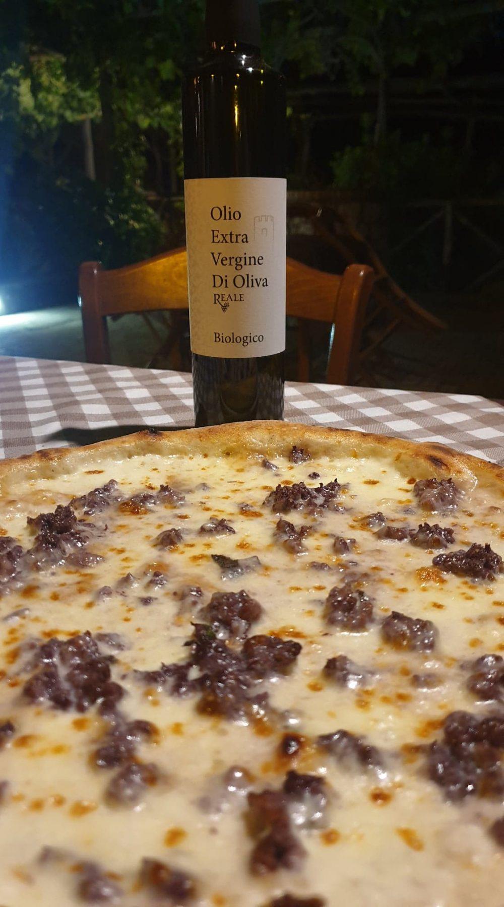 Osteria Reale - Pizza Cardamone e l'olio BIO