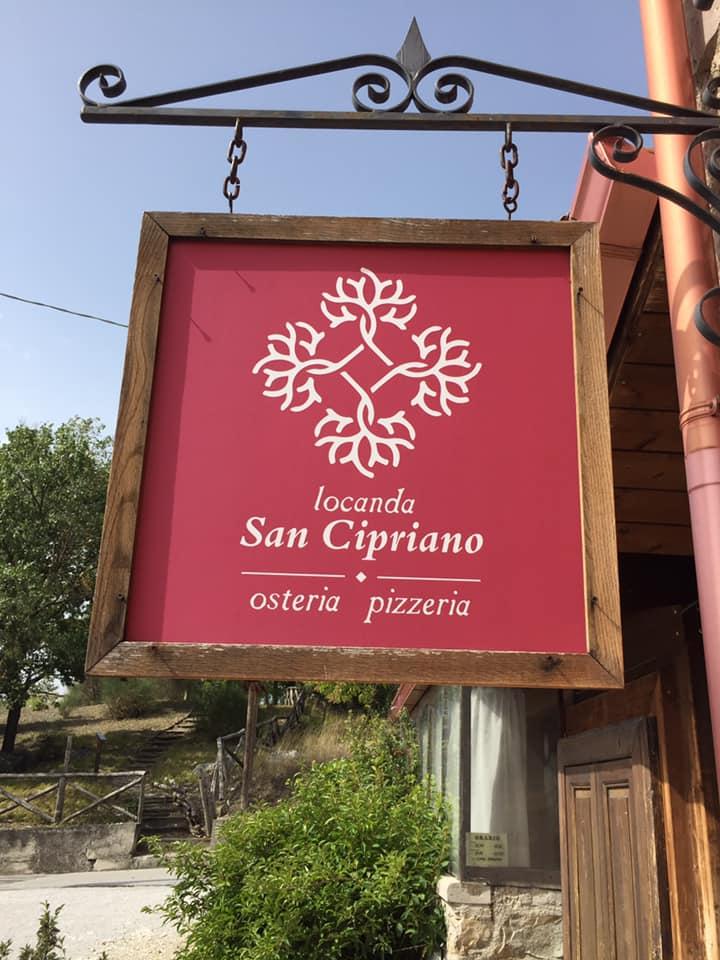 Locanda San Cipriano, l'insegna