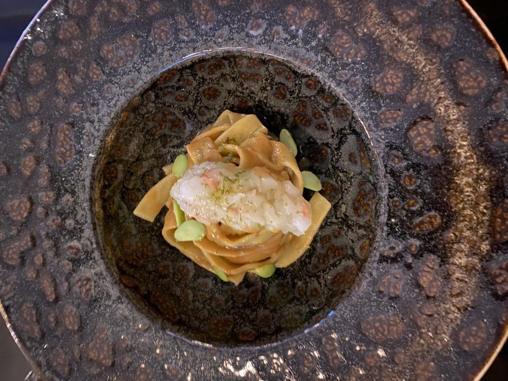 Bushi - Pappardelle di edamame con bisque di crostacei, tartare di scampi e zest di lime
