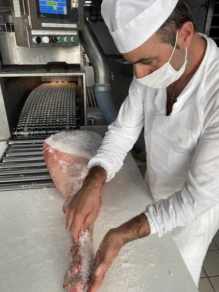 Ciarcia - salatura eseguita a mano