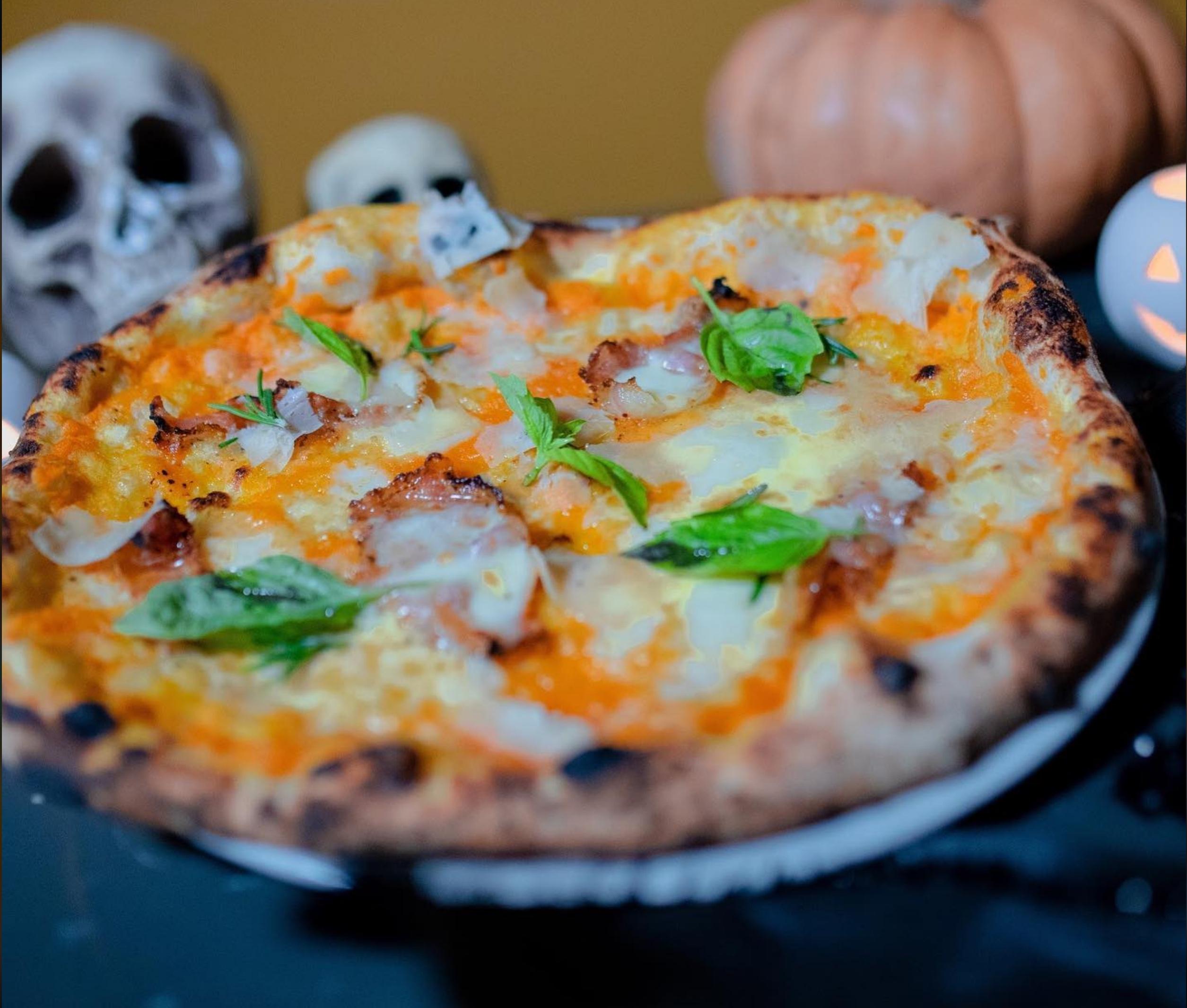 Da Zero, Pizza dedicata a De Luca