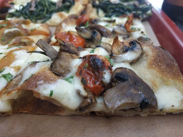 Gli Eroi della Pizza -la funghi e pomodorini semi secchi