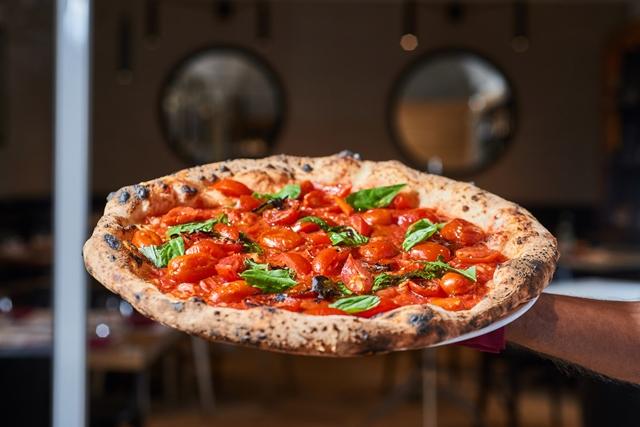 La pizza al pomodoro di Francesco e Salvatore Salvo