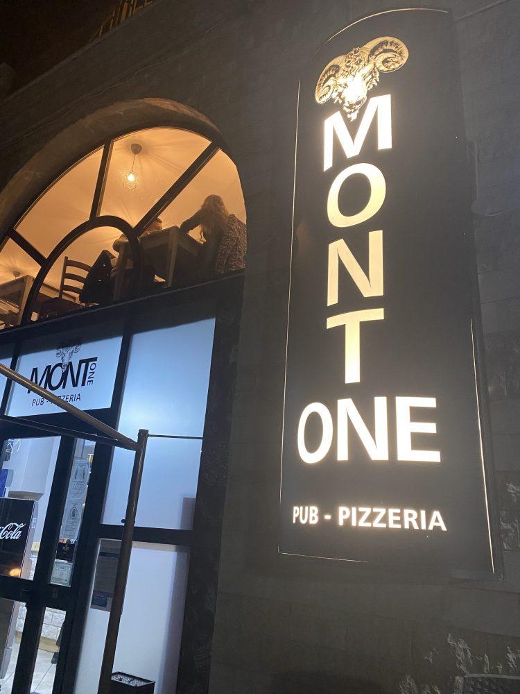 Mont -one Pizzeria - ingresso