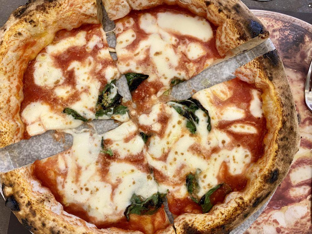 Pizzeria Cammarota - Pizza Margherita con fior di latte
