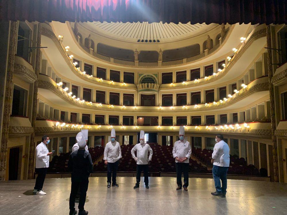 Coppa del mondo del Panettone - il Teatro Francesco Cilea e i Giurati