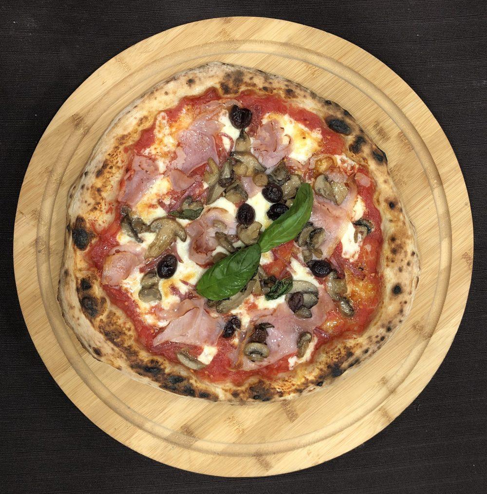 Pizzeria Capasso a Porta San Gennaro 1847 - Pizza Capricciosa