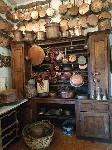 Cantine Santa Benedetta - un angolo di utensili antichi