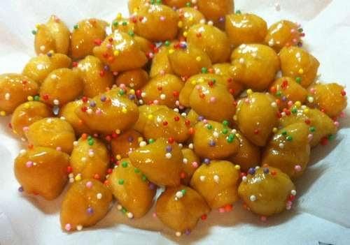 Dolci di Natale Calabresi-Pignolata col miele