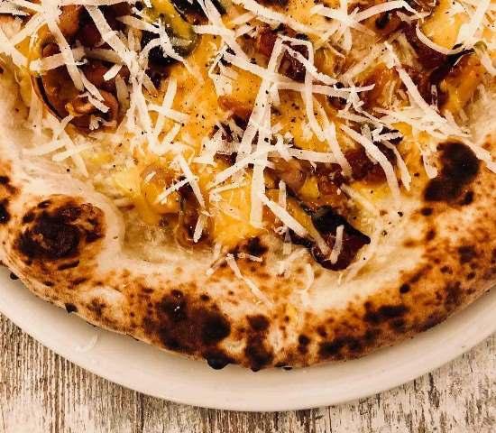 La Carbonara di Pupillo Pura Pizza