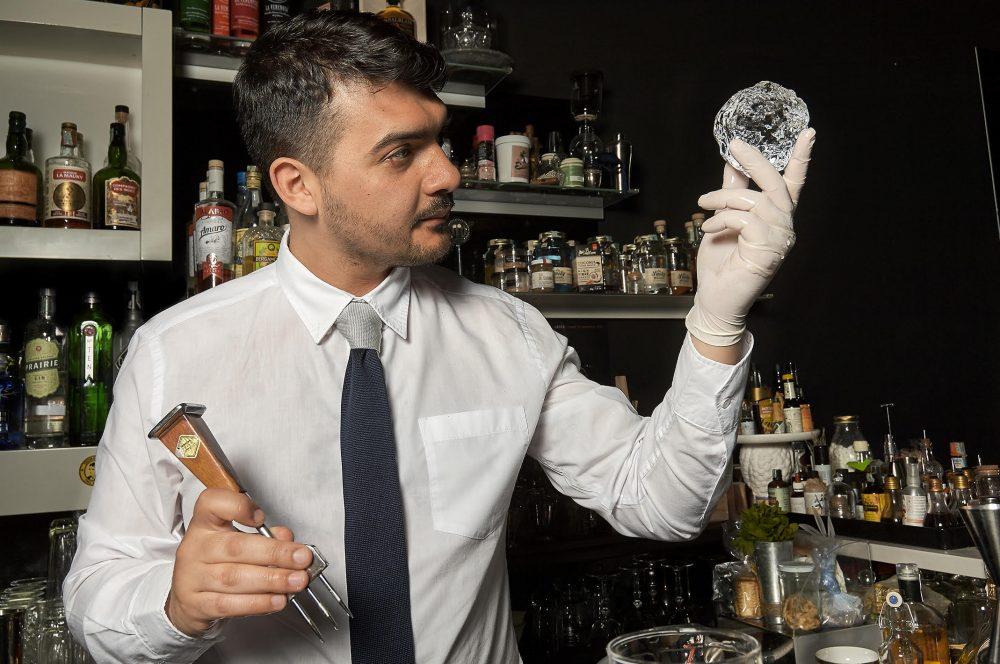 Nicola Ruggiero proprietario del Katiuscia Cocktail e altri rimedi di Giovinazzo Bari