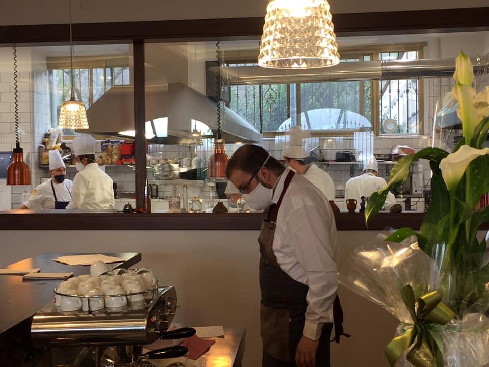 Gerani, la cucina a vista