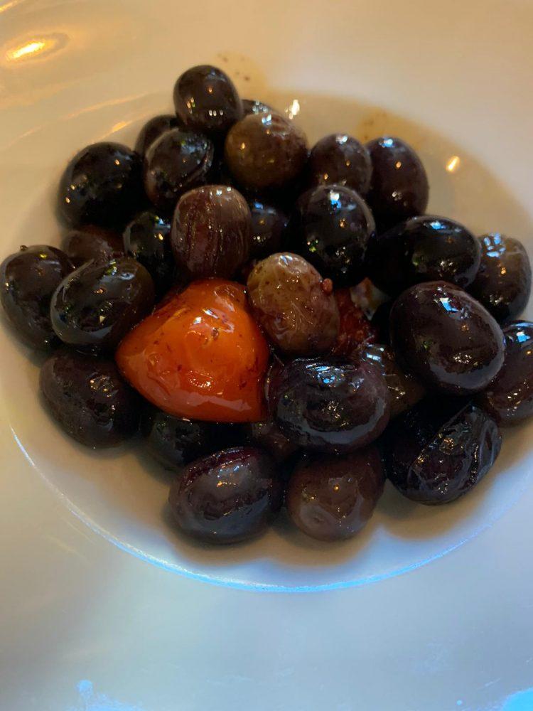 Botteghe Antiche, Olive Nolche fritte con pomodorino al filo