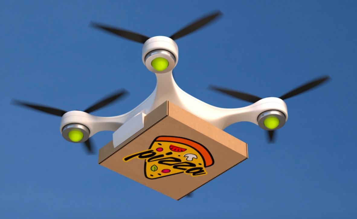 Pizza su drone per delivery