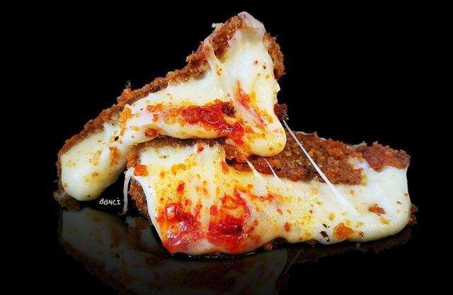 La mozzarella con Nduja di Bonci