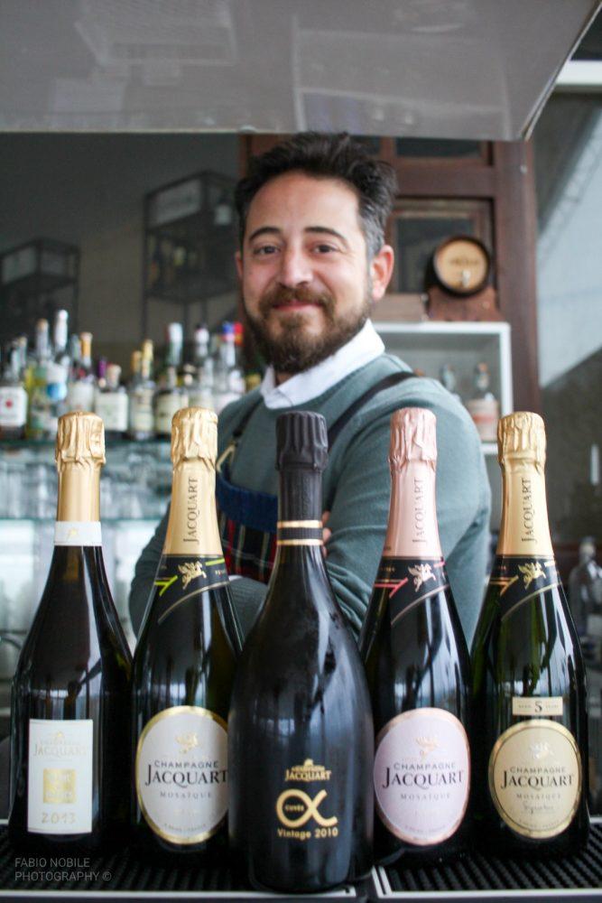 Roberto Maone bar manager del Punta Tre Pini di Genova