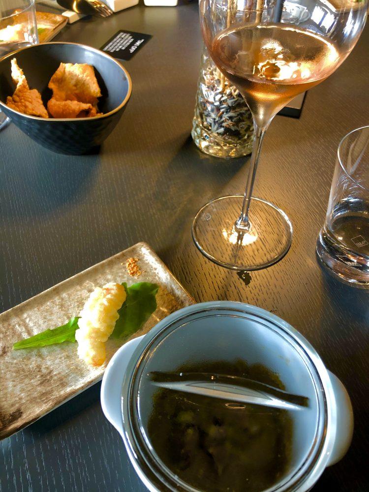 Taki Off - Zuppa di fagioli e castagne con tempura di gamberi