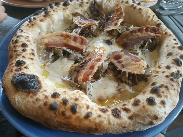 Sant'Isidoro Pizza & Bolle - Ostiense - Carciofi, guanciale e pecorino