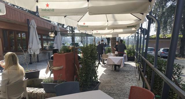 Angelo Pezzella - il giardino esterno