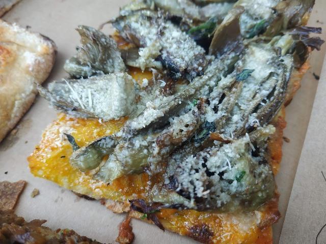 Pizzarium - Crema di zucca, carciofi e pecorino