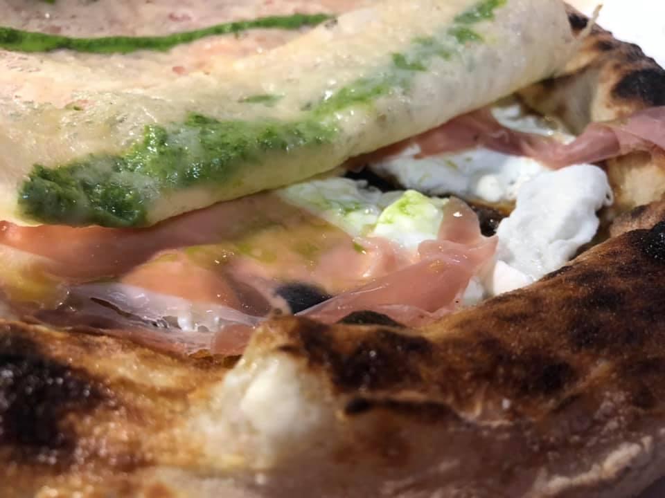 Pizzeria Granai, ecco cosa nasconde la cialda di parmigiano