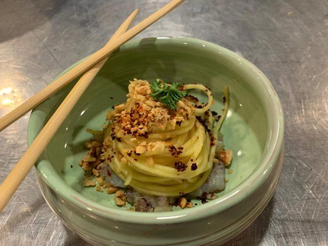 Davide Filadoro -Versione rivisitata di Spaghetti, aglio e olio con crumble di nocciole