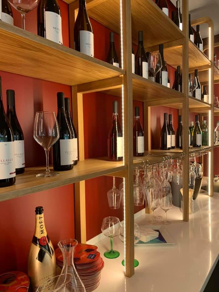 Unica caseificio - esposizione vini