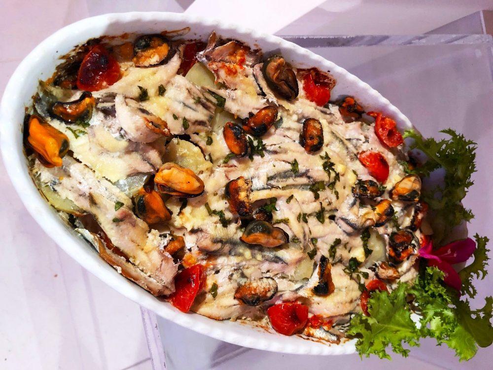 Tortiera Maruzzella con alici, patate e cozze Ricetta di Angelica Sepe