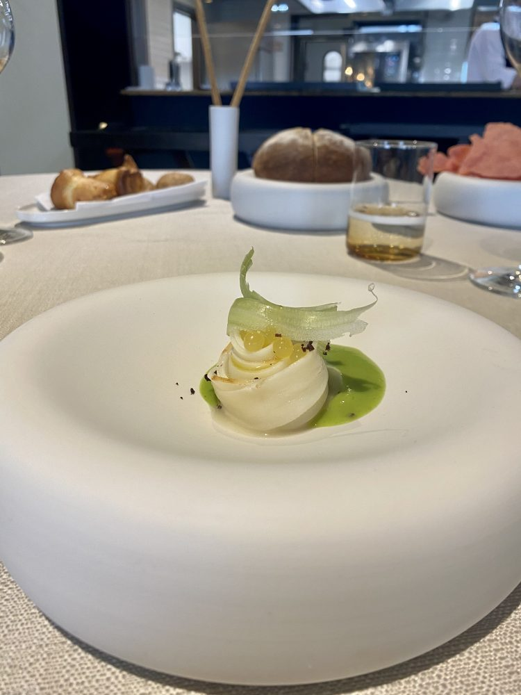 John Restaurant Casa Madre Italia - Tagliatella di seppia allo yuzu, sedano e polvere di olive