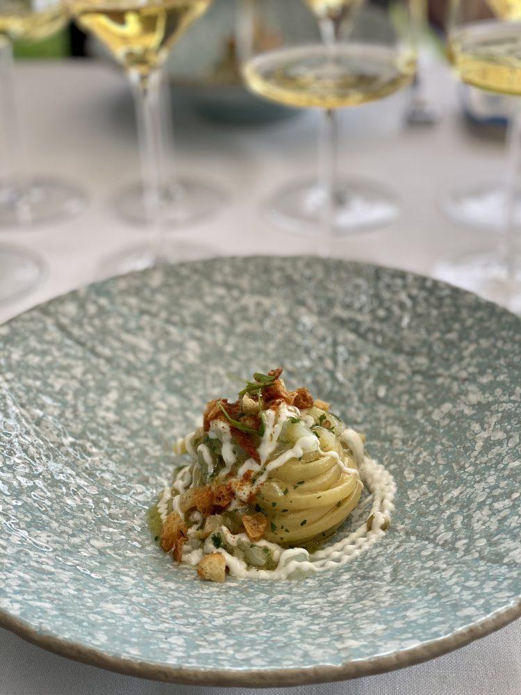 Jose' Restaurant - Linguine, aglio, olio, baccala' e trucioli di pane
