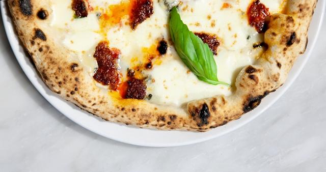 Luca Platania - la pizza tonda napoletana