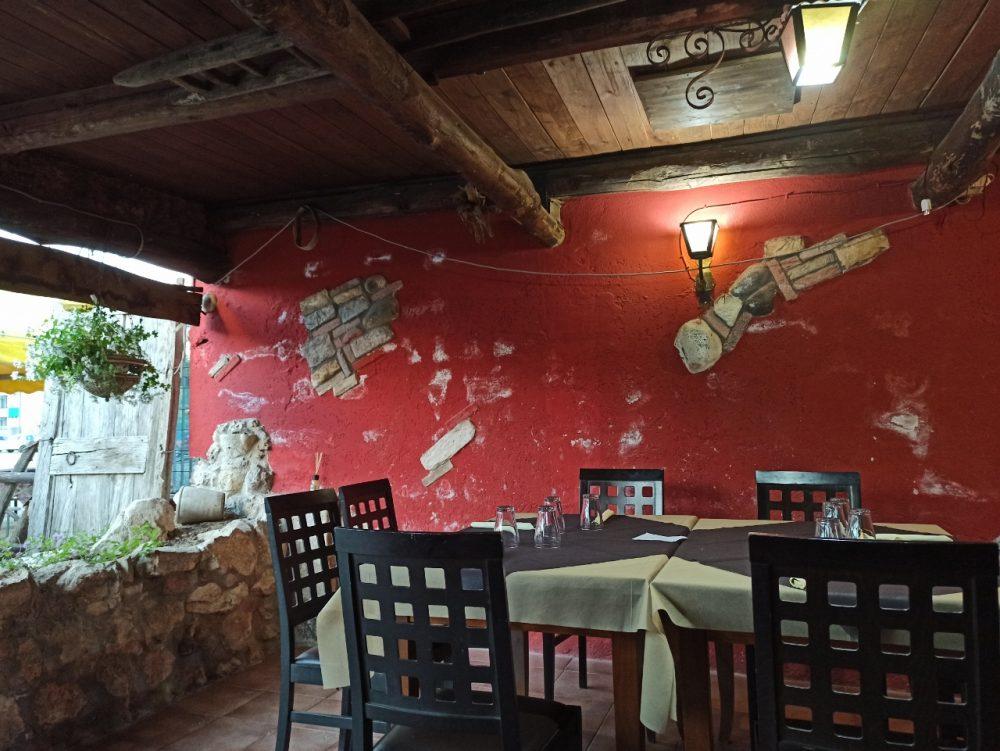 Pizzeria da Mastro Carlino - La Saletta rurale esterna