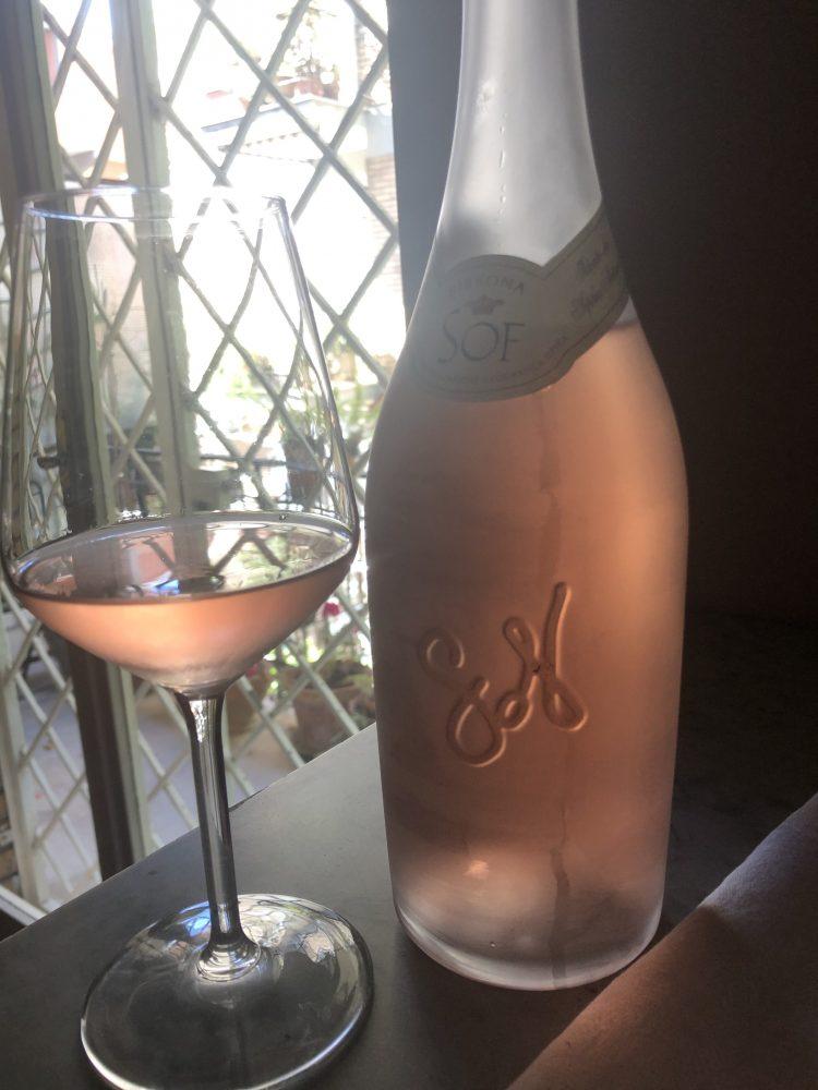 Sof - color rosa pastello ramato da uve Syrah e Cabernet Franc