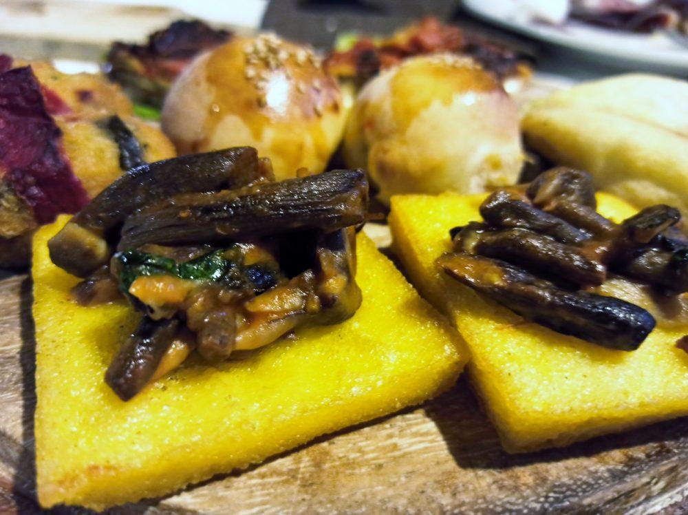 Alle Falde del Taburno- La Polenta fritta con Chiodini