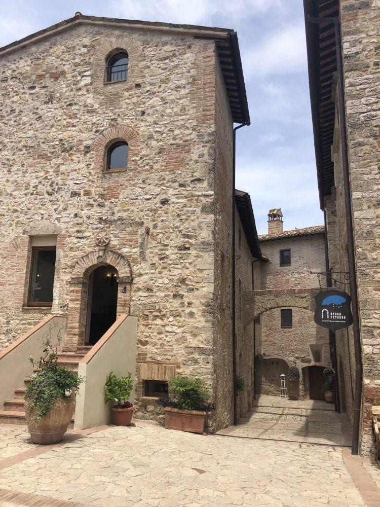 A Todi Borgo Petroro Country House