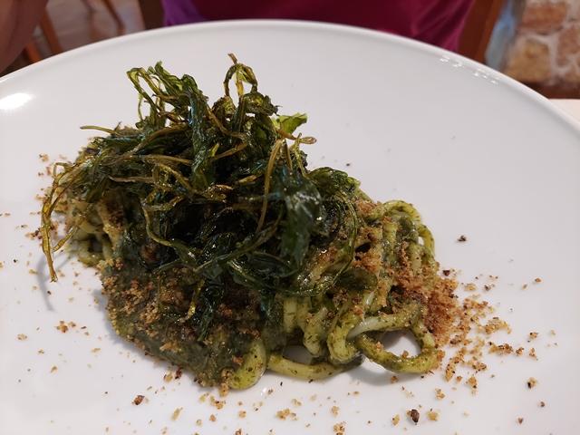 Casale Rufini - lo Spaghettone aglio, olio, peperoncino, cicorietta e pane croccante