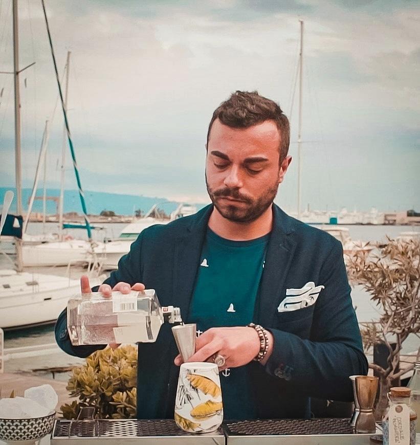Christian Costantino Head Bartender del Marina Del Nettuno Lounge Bar di Messina