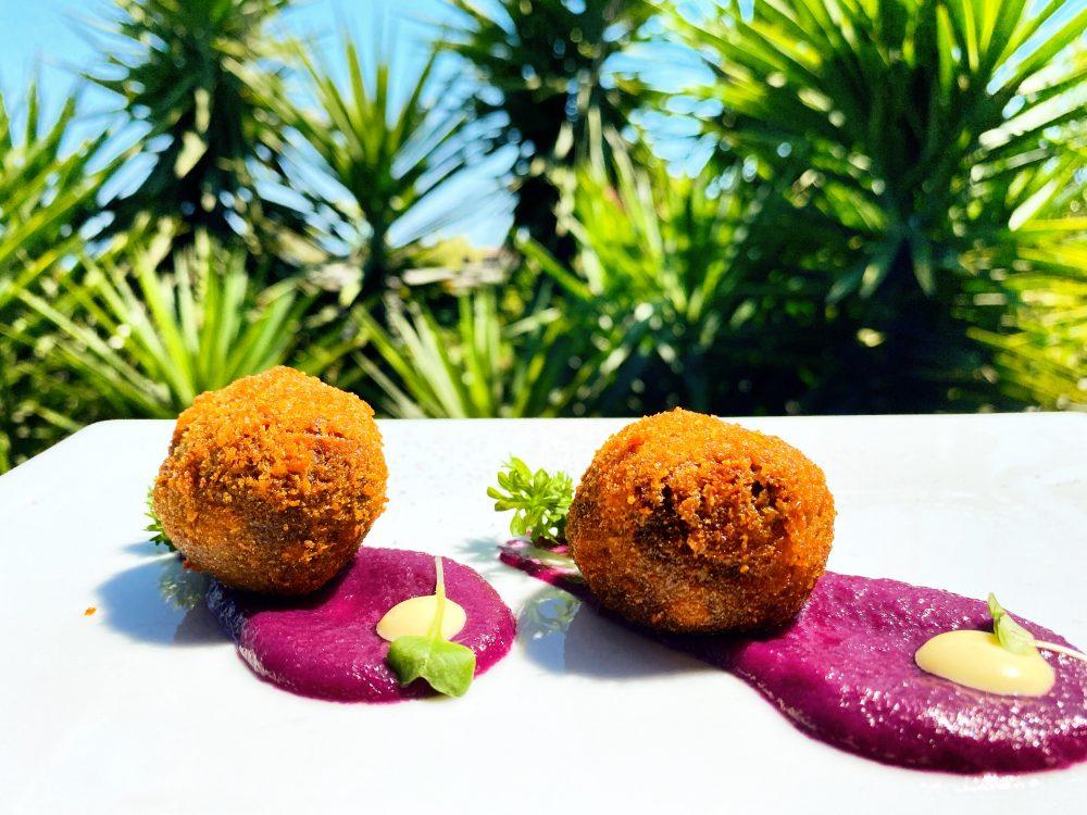 Granfuoco, Balls di Pulled Pork impanato e crema di cavolo viola fermentato