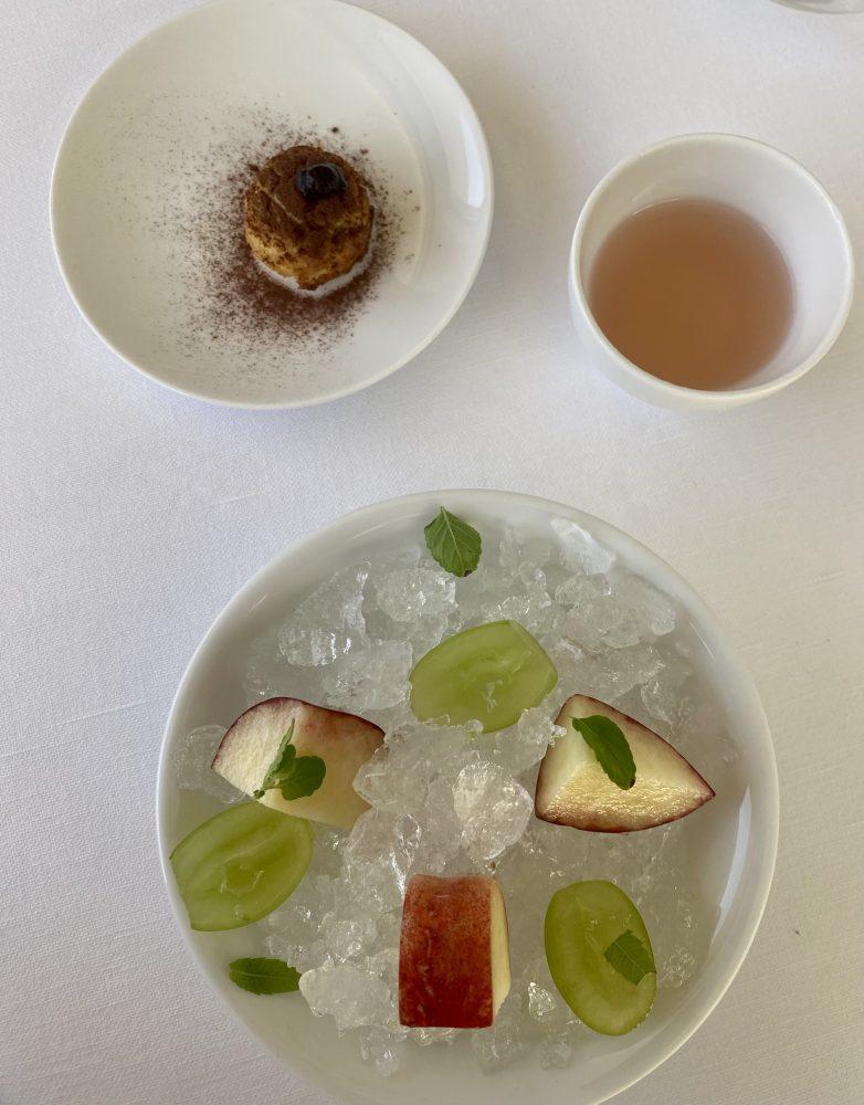 Marotta Ristorante - Frutta al ghiaccio, consomme' di pesca tabacchera, bigne' tiramisu'