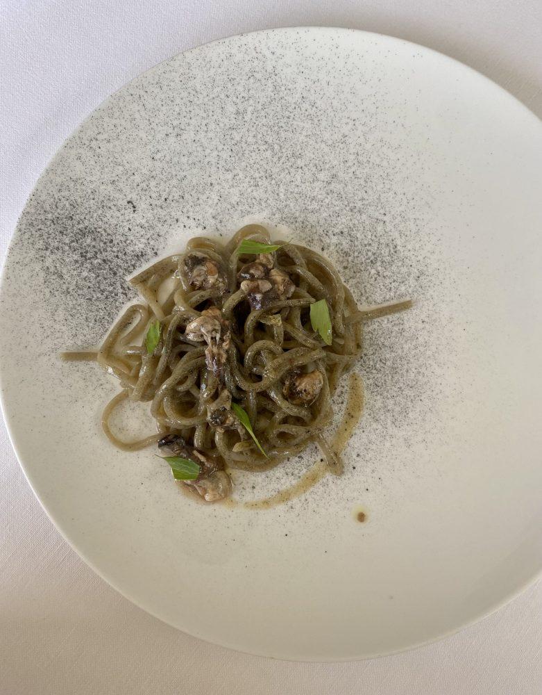 Marotta Ristorante - Spaghetto alla chitarra, melanzana, cozze, limone e levistico
