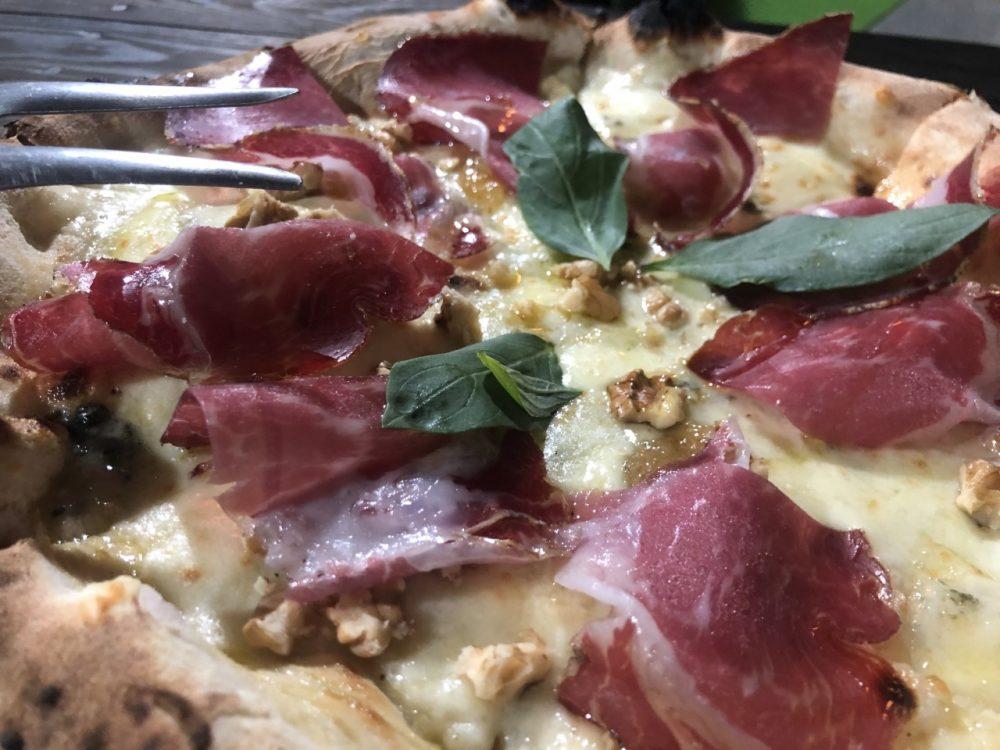 Pizzeria Eden - pizza capicollo e noci