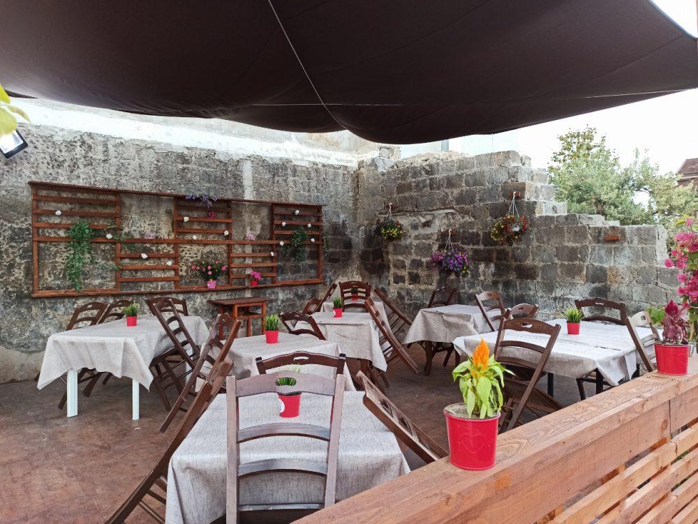 Pizzeria e Ristorante Megusta -La saletta esterna