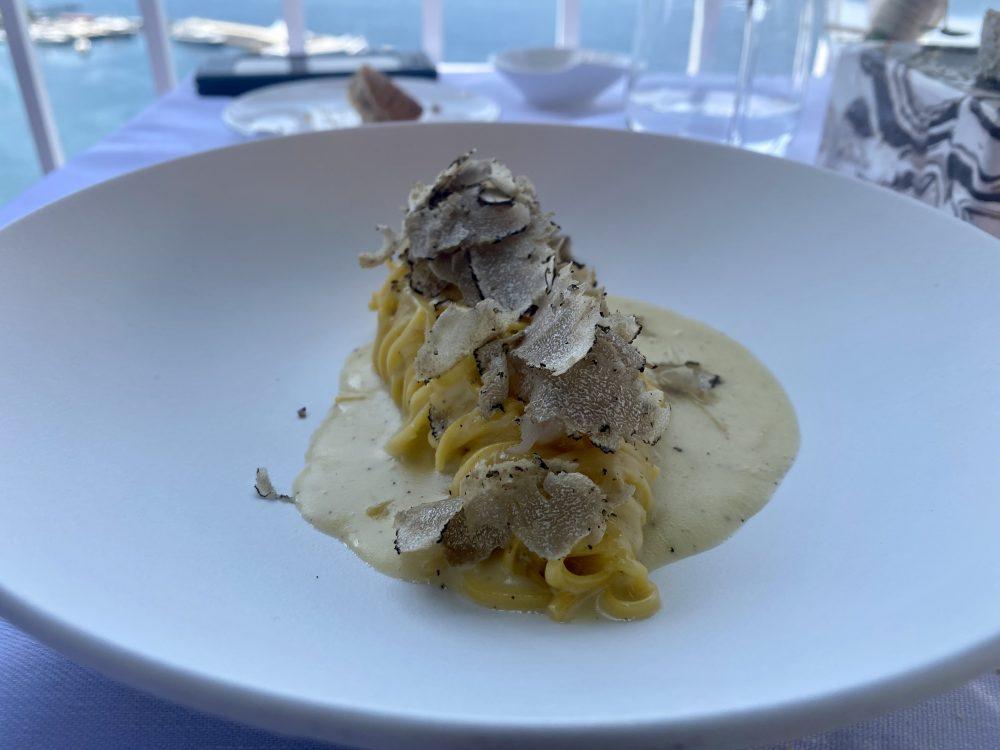 Ristorante Lorelei - Tagliolini granod duro al tartufo nero e crudo di scampi