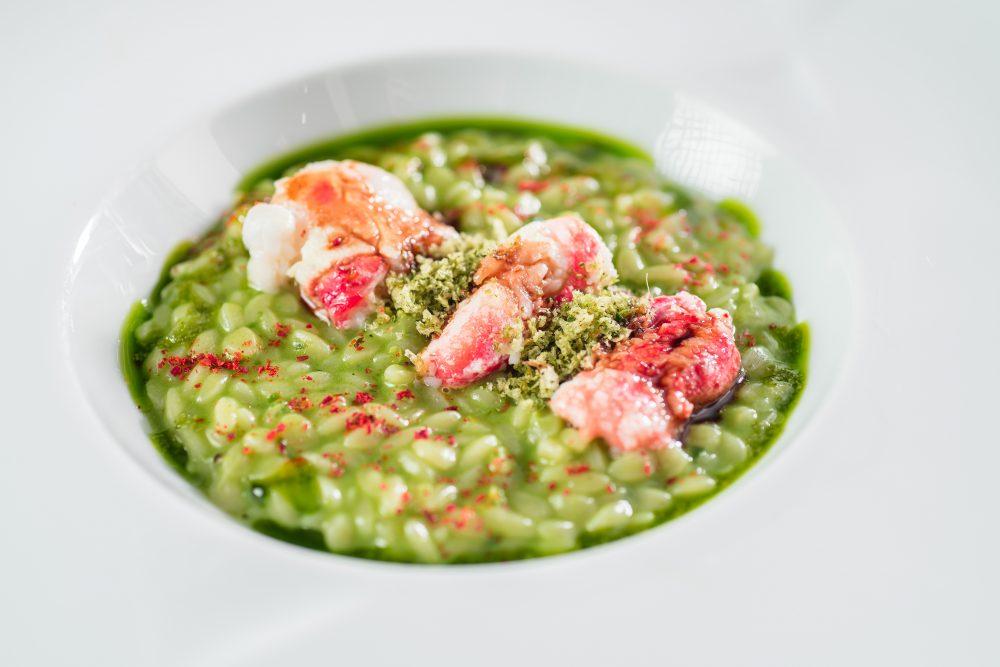 Santa Caterina -Il Riso di Semola aglio, olio e peperoncino con granchio reale e briciole di pane croccante