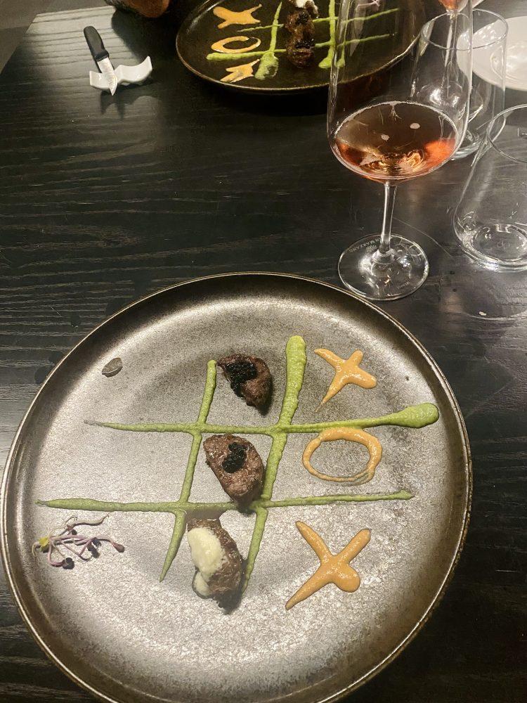 The Meat Experience - Battuta di vitella piemontese cotta al forno, tartufo, crema di pomodorini gialli e zucchine