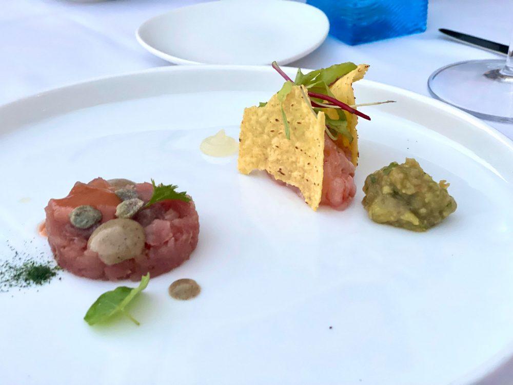 La Crestarella - Mini tartare tonno, cappero disidratato, pomodoro fermentato e maionese di cipolla affumicata