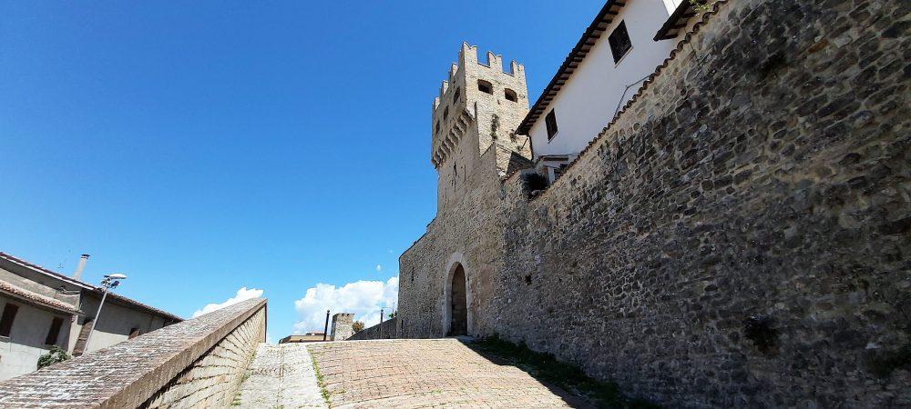 Montefalco la torre merlata