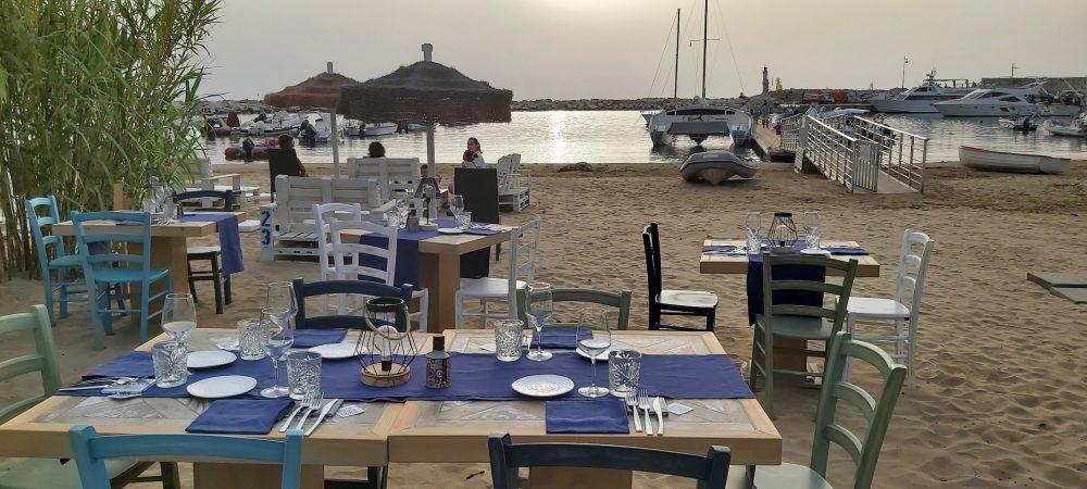 Eden Peschici - tavoli sulla spiaggia