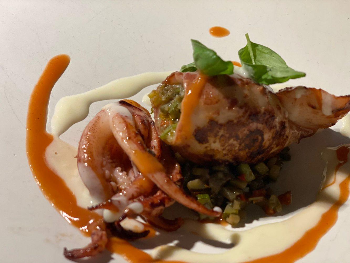 La Crestarella - Totanetto ripieno con ciambotta, ristretto di pomodoro, fonduta provola
