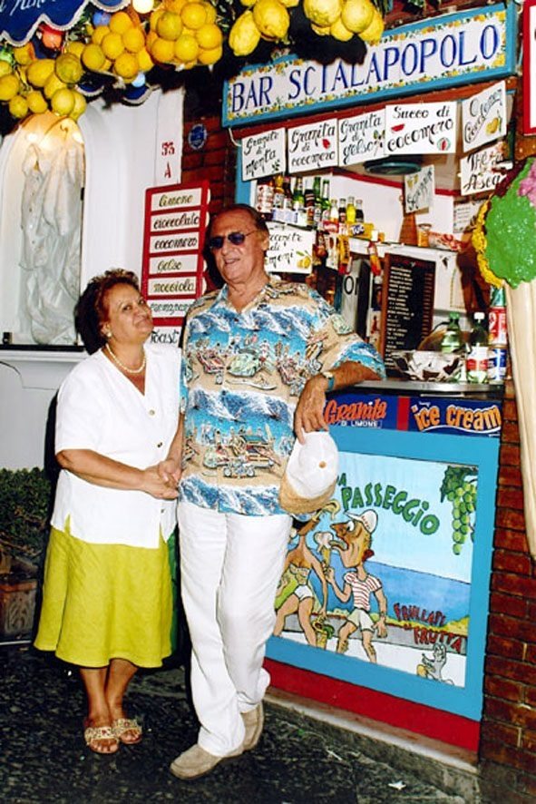 Bar Scialapopolo - Donna Vittoria con Renzo Arbore